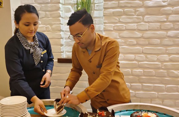 cake at arushi hotel