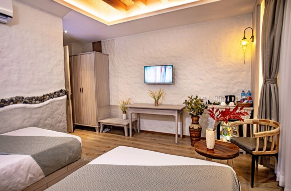 clean elegent deluxe room for your comfortable stay