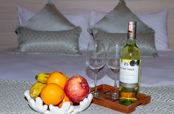 fruit basket and wine superior deluxe