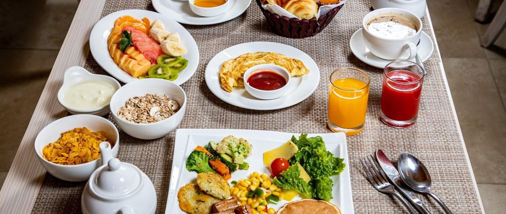 Arushi Boutique Hotel Breakfast
